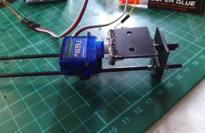 mini-tricopter-frame-yaw-mechanism-8